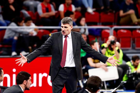 Trener Baskonije Velimir Perasović