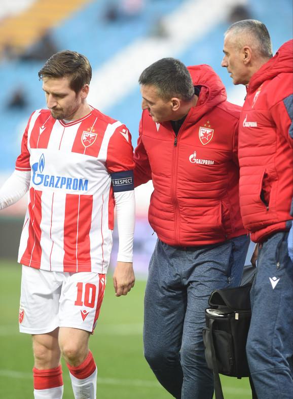 Povređeni Marko Marin napušta igru na meču Crvena zvezda - Čukarički