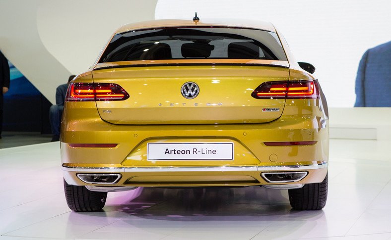 Volkswagen arteon. Bagażnik ma od 563 do 1557 litrów