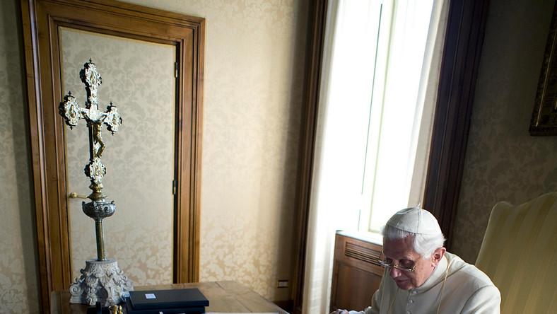 Papież Benedykt XVI pożegnał się z Polakami