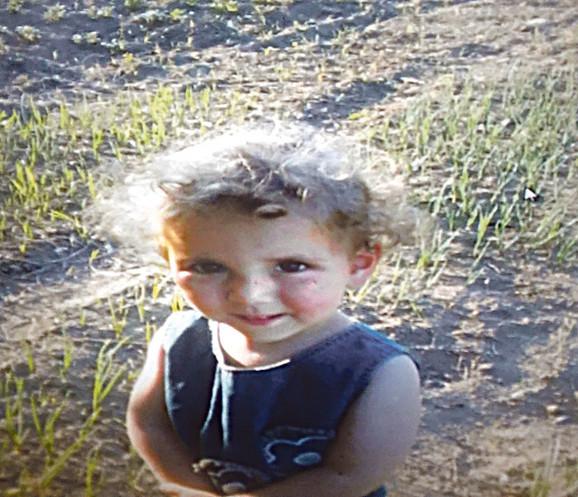 Ovo je Anđelina Stefanović, koja je imala svega tri godine kada ju je silovao i ubio monstrum Vladica Rajković u selu Vratarnica kod Zaječara