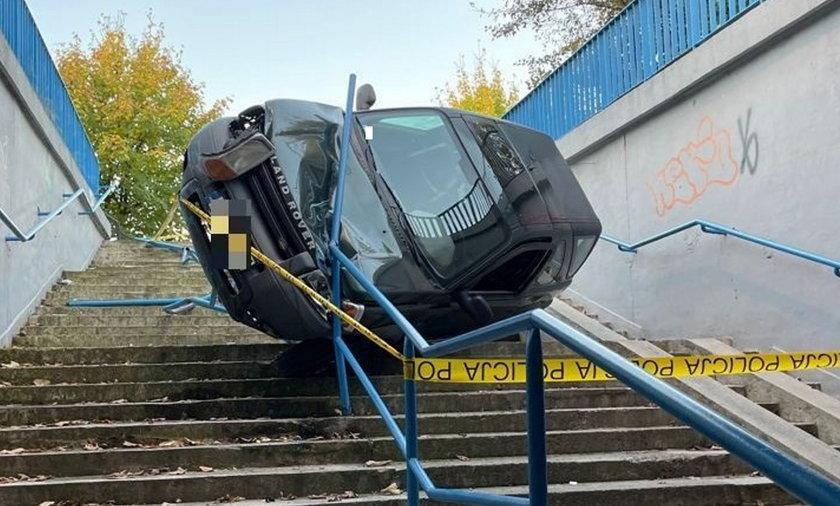 Wypadek w Olkuszu. Jak ten samochód tam się znalazł? Tłumaczenie kierującej zaskakuje