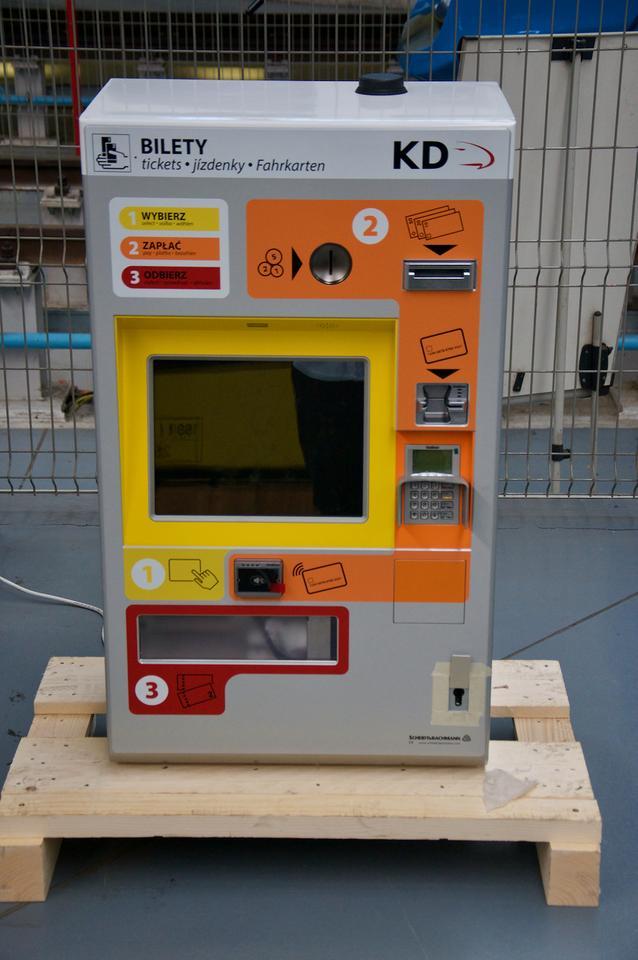 W każdym pociągu KD zostanie też zamontowany biletomat.
