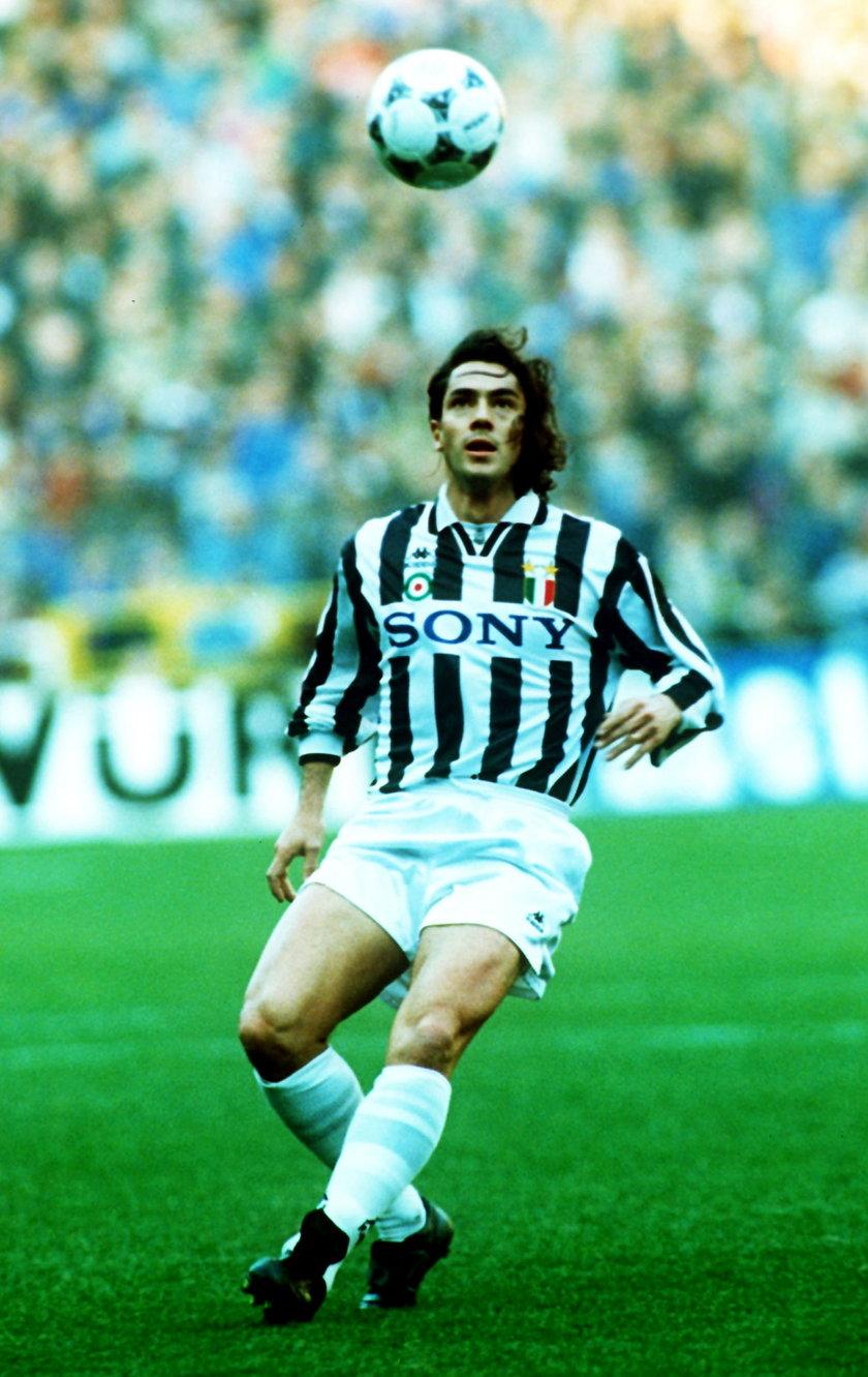 Miał sukcesy jako piłkarz.