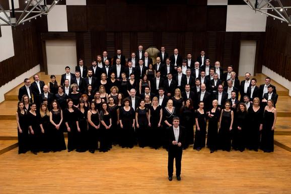 Gabrijel Felc sa članovima Beogradske filharmonije
