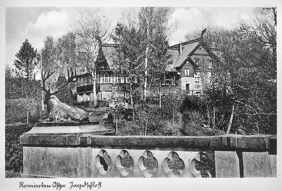 Pocztówka z widokiem posiadłości Göringa w Puszczy Romnickiej