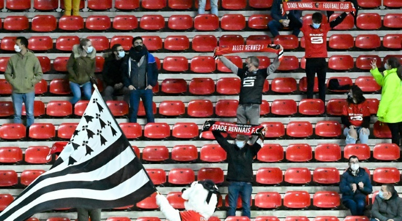 Rennes lose to Angers as fans try to beat curfew record