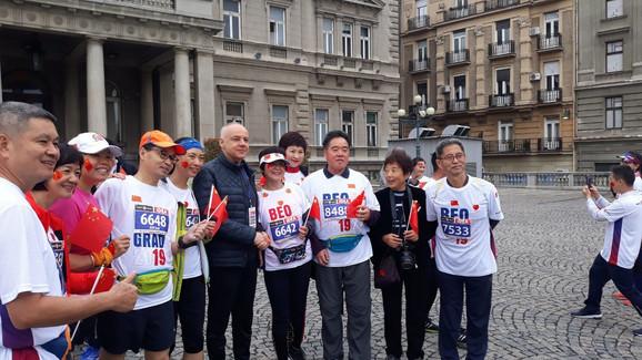 Gradonačelnik Radojičić sa kineskim maratoncima