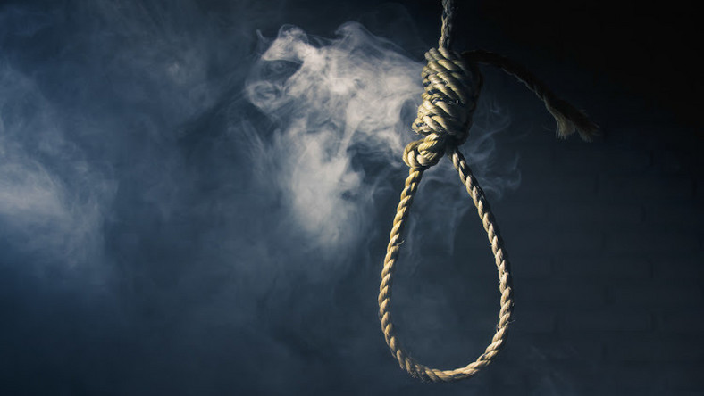 Teen girl commits suicide after teacher shamed her over her menses
