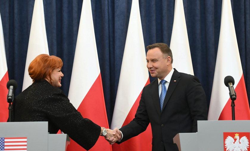 Ambasador USA w Polsce Georgette Mosbacher i prezydent Andrzej Duda