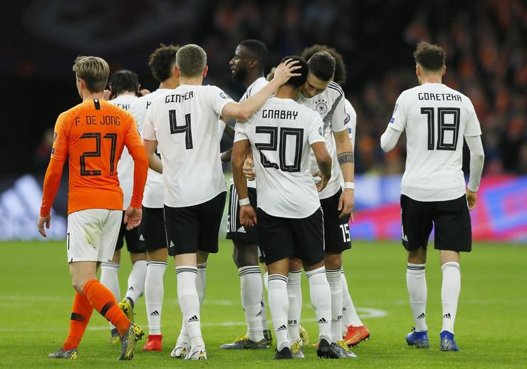 Fudbalska reprezentacija Holandije, Fudbalska reprezentacija Nemačke