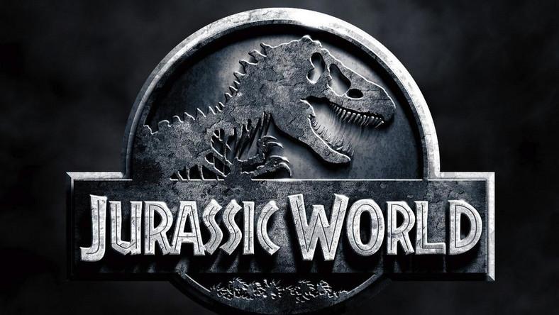 """Pierwszy z obrazów był wielkim hitem 1993 roku, drugi """"Zaginiony świat: Jurassic Park"""" –przebojem roku 1997. Ostatnia dotąd z opowieści o dinozaurach, tym razem w reżyserii Joe Johnstona, trafiła do kin w 2001 roku i nosiła tytuł """"Jurassic Park III"""". I tak, jak wcześniejsze, odniosła sukces kasowy"""
