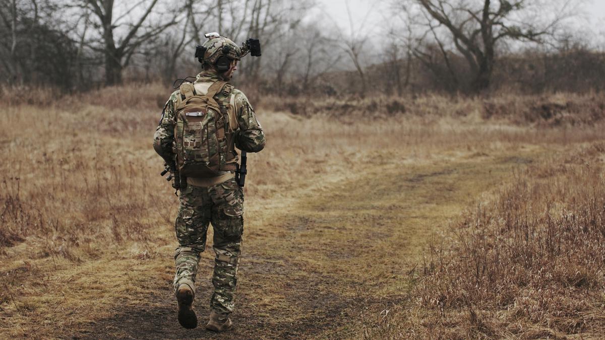 Kést szorított egy járókelő torkához: az Afganisztánban átélt borzalmak miatt alakulhatott ki elmebetegség egy magyar katonánál