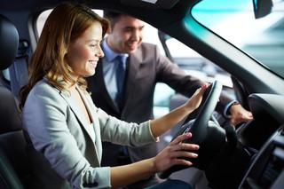 Mandat przez internet, pełna wiedza o aucie. Sprawdź, kiedy pojawią się technologiczne nowości dla kierowców