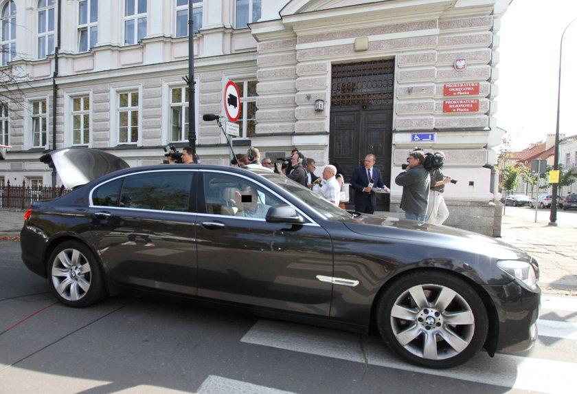 nakazu powstrzymywania się od kierowania pojazdami mechanicznymi