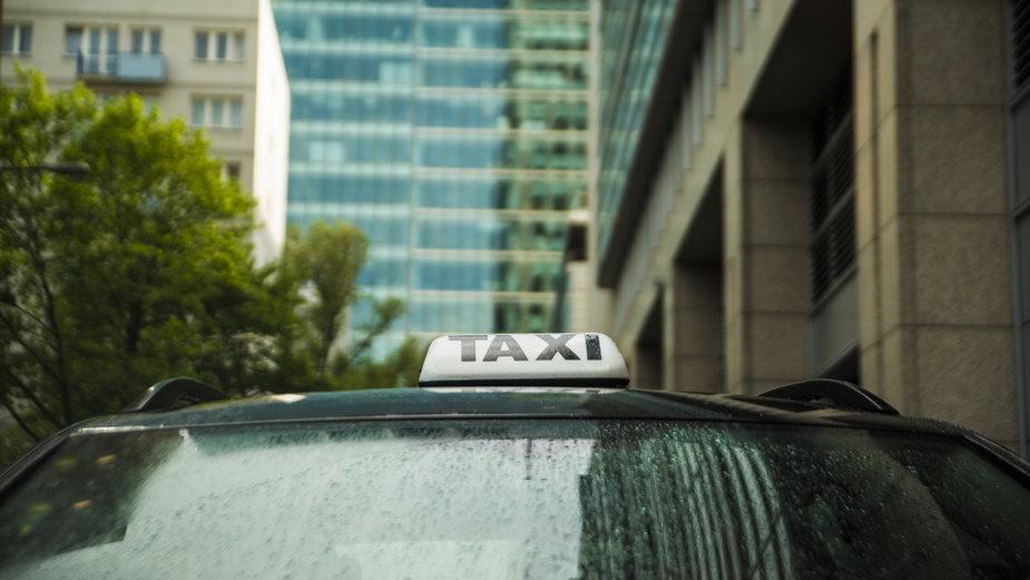 Rzucił pracę w korporacji i wsiadł do taksówki