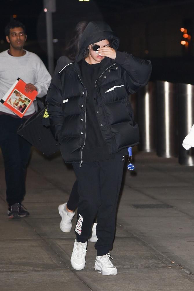Selena Gomez na aerodromu u Njujorku