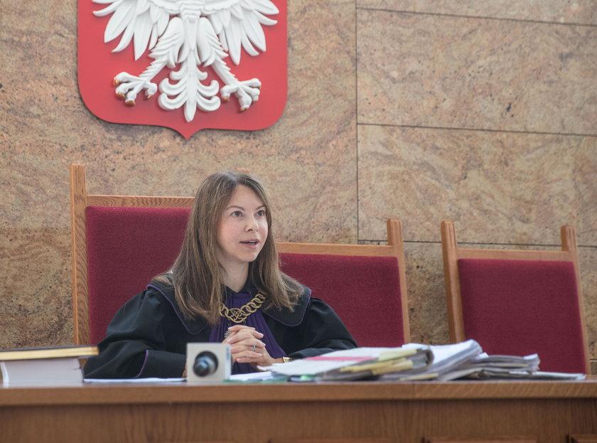 Zamachnął się krzesłem na prezydenta Komorowskiego. Co zdecydował sąd?