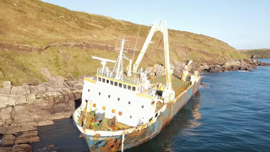 Wrak MV Alta już rok straszy u wybrzeży Irlandii