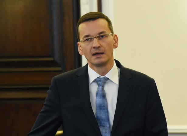 Mateusz Morawiecki chce wprowadzić od 2016 podatek bankowy i od hipermarketów