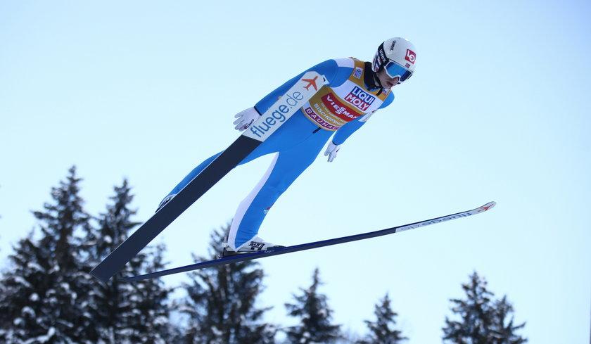 Norweg, który wygrywa konkurs po konkursie, w rozmowie z Faktem obiecał, że nie skoczy... nago!