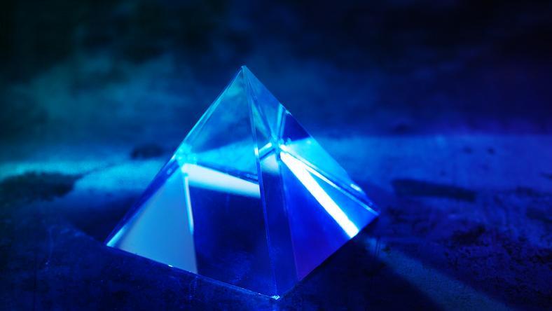 Kryształowa piramida pod Trójkątem Bermudzkim - to przez nią znikają samoloty?