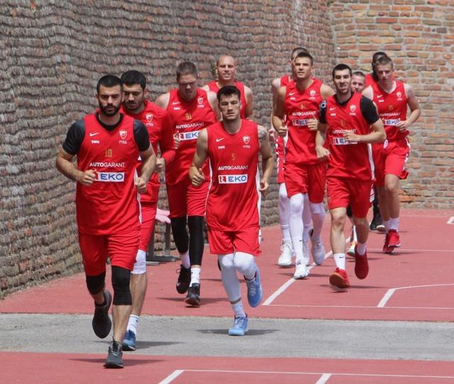 Košarkaši Crvene zvezde, aktuelnog šampiona Jadrana, započeli su treninge posle dva meseca pauze