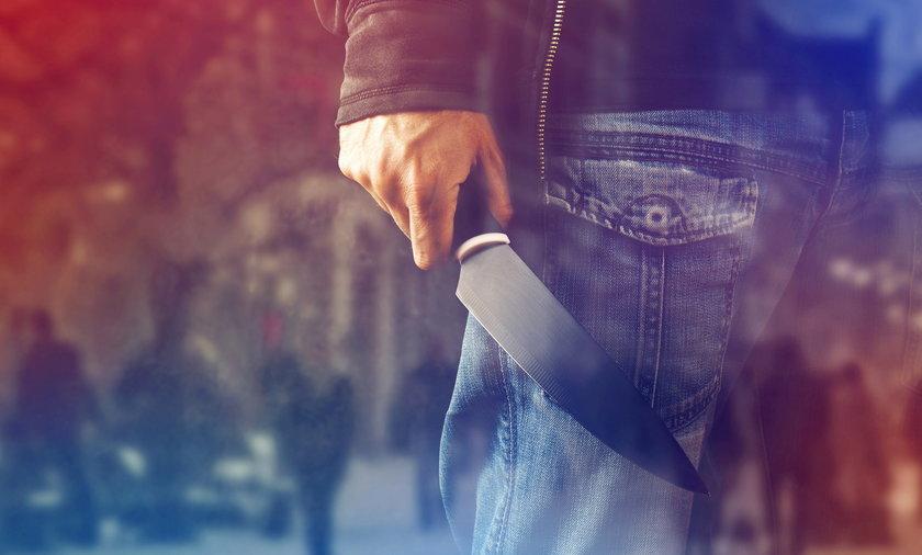 Zabójstwo kobiety w Oświęcimiu. Po pijaku zadźgał partnerkę i uciekł