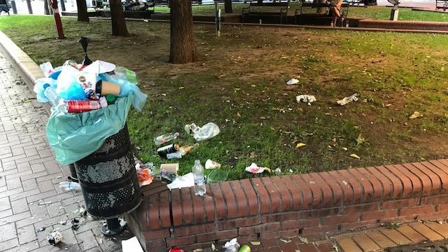 FKF: Illegális hulladéklerakó alakult ki a Stadionoknál – közben újabb képek jöttek, de a belvárosból