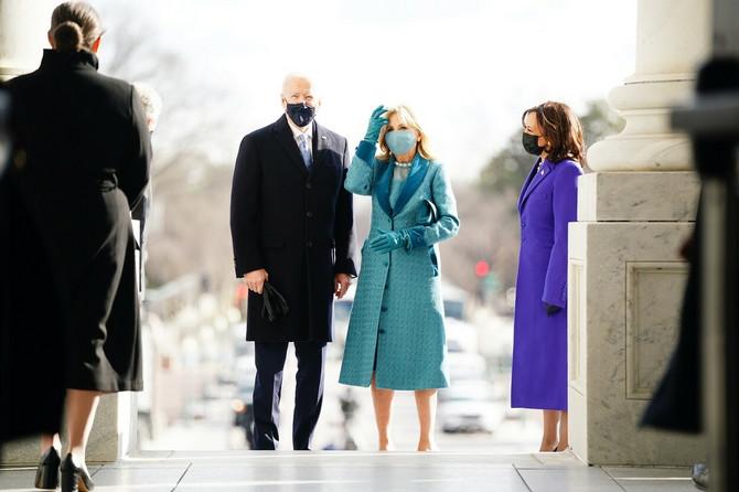Džil je izabrala haljinu i kapet brenda Markarian