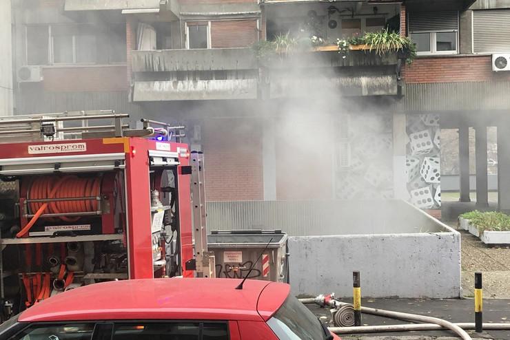 Požar u magacinu u Bulevaru