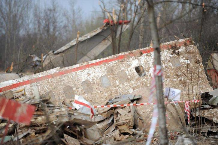 Katastrofa smoleńska: Zawinił jeden guzik?