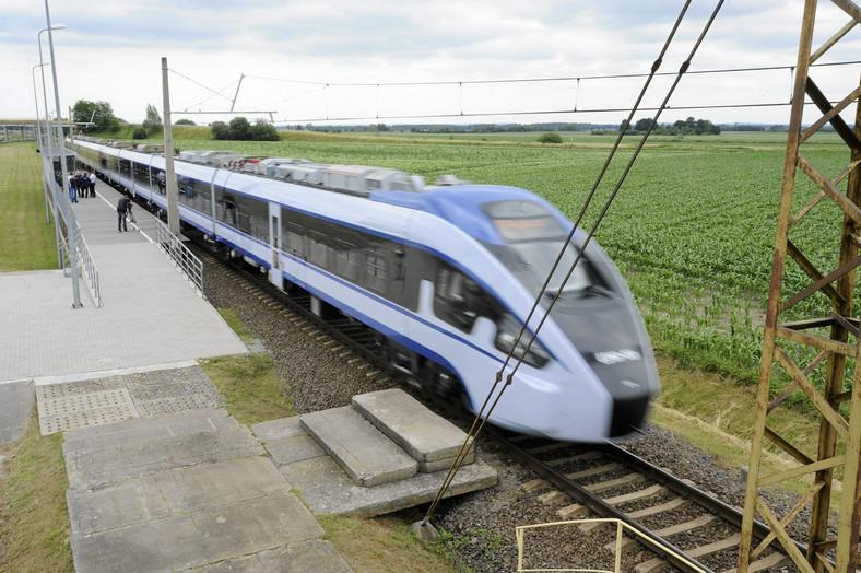 Pociąg Dart bydgoskiej firmy PESA podczas testów