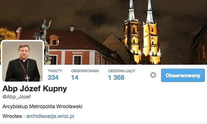 Nasz arcybiskup cały czas jest online