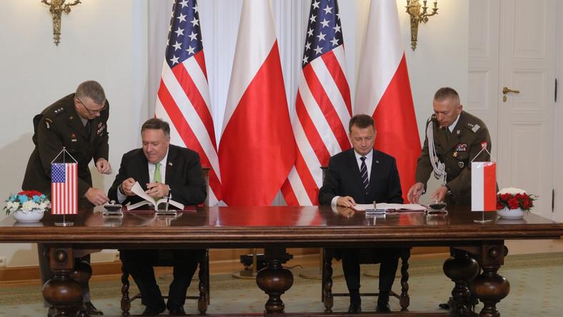Mike Pompeo i Marisz Błaszczak. Podpisanie porozumienia o współpracy obronnej
