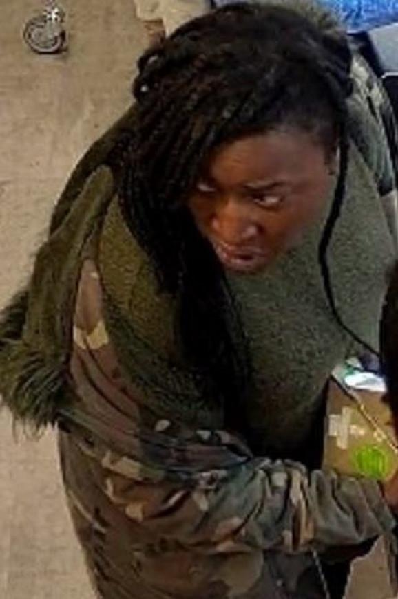 Osumnjičena da je gurnula ženu pod autobus u Londonu