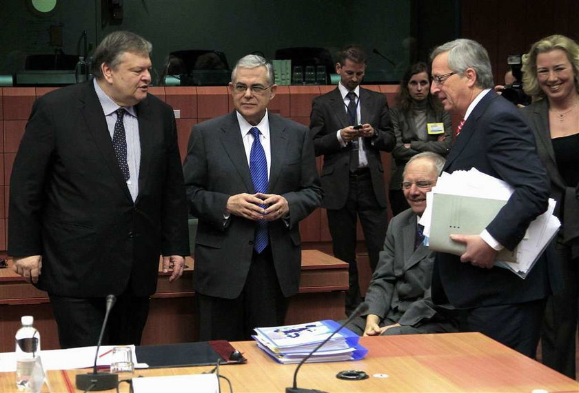 Teraz Niemcy rządzą Grecją