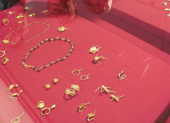Nakit pronađen u nekropoli kod Male Kopašnice