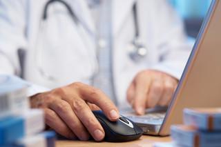 Tymiński: Teleporada medyczna to narzędzie potrzebne, lecz jeszcze niedoskonałe [WYWIAD]