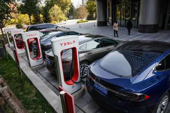 Tesla automobili