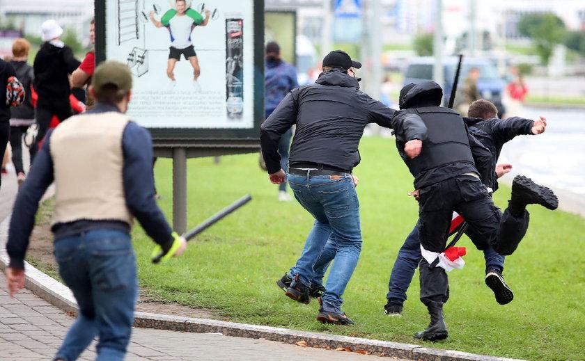Łukaszenka zamyka granicę z Polską