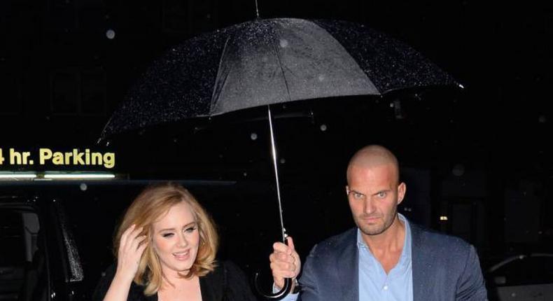 Adele's bodyguard goes viral on Twitter