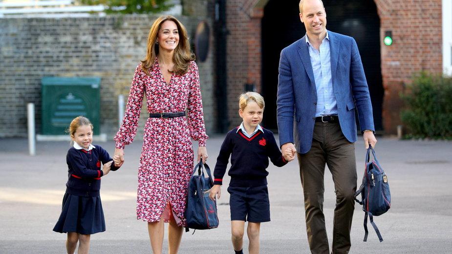 Kate Middleton i książę William oraz księżniczka Charlotte i książę George w 2019 r.