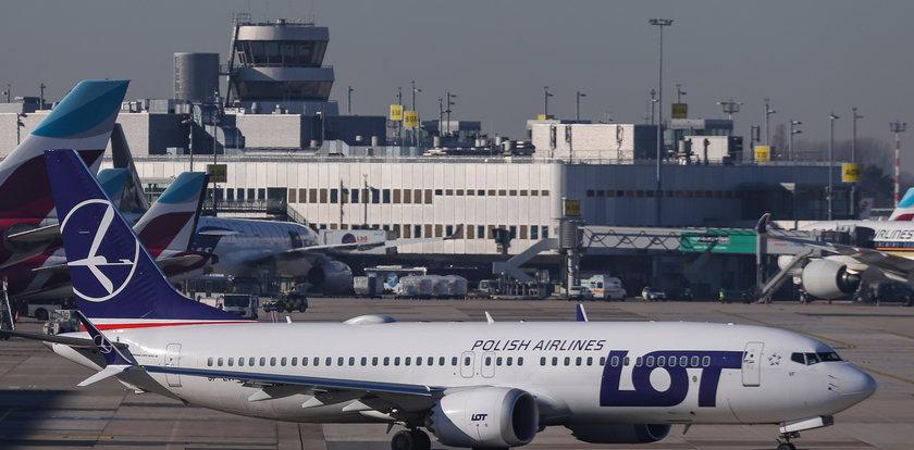 Związkowcy: LOT pozwalniał polskie stewardessy i zatrudnia Węgierki