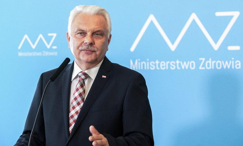 Wirusolog prof. Włodzimierz Gut.