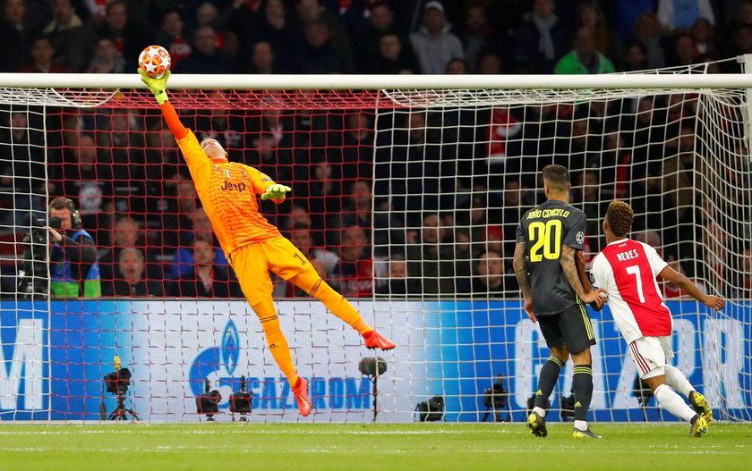 Champions League Quarter Final First Leg - Ajax Amsterdam v Juventus