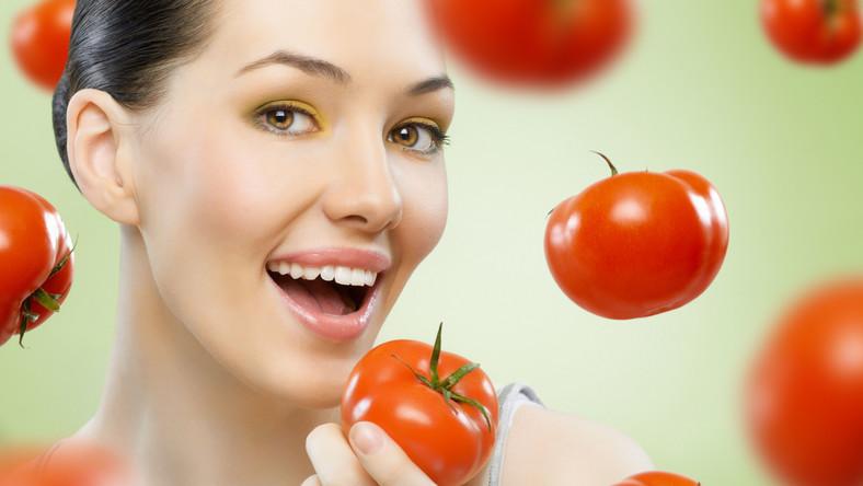 Czy pomidory mogą zastąpić kosmetyki do pielęgnacji skóry?