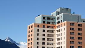 W tym mieście prawie wszyscy mieszkańcy żyją w jednym bloku