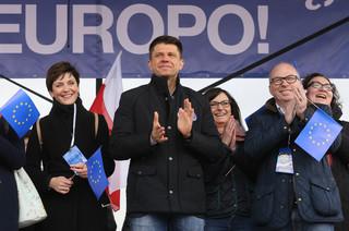 W Warszawie manifestacja 'Marsz dla Europy: Kocham Cię, Europo!'