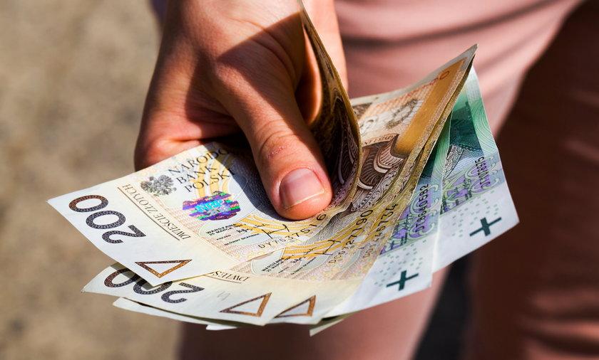 Provident musi zwracaćklientom część pieniędzy za wcześniejszą spłatę pożyczek.